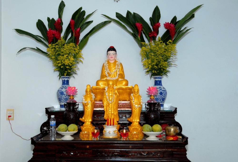 Bài trí bàn thờ Phật chuẩn tại gia