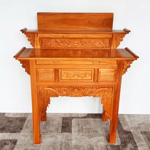 Mẫu bàn thờ gỗ Gõ đỏ đã giúp cho không gian thờ cúng trở nên linh thiêng
