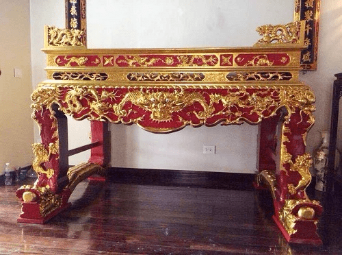Bàn thờ được sơn son thếp vàng đẹp