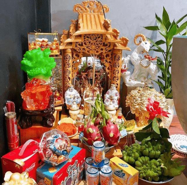 Bộ bàn thờ Thần Tài gồm những gì?