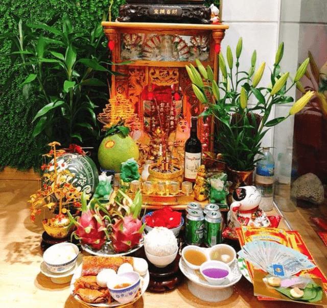 Cách bài trí bàn thờ Thần Tài