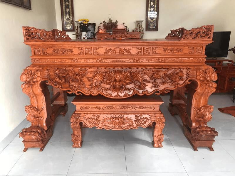 Có nhiều loại gỗ có thể dùng làm bàn thờ tứ linh