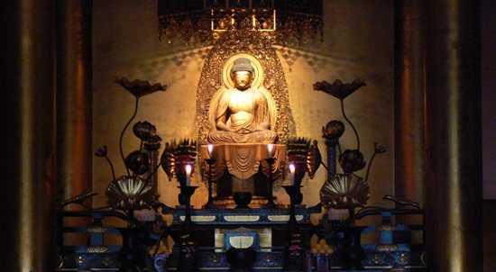 Đặt tượng Phật ở nơi trang nghiêm và thanh tịnh