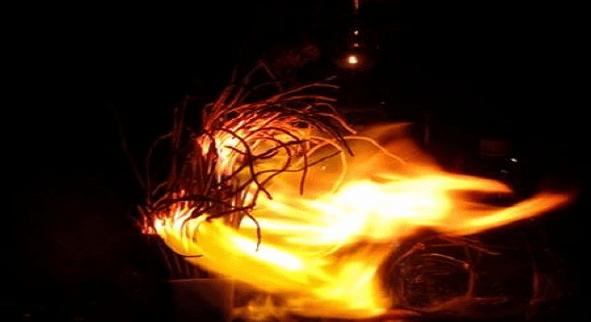 Giấc mơ liên quan đến hiện tượng bát hương cháy là điều bí ẩn