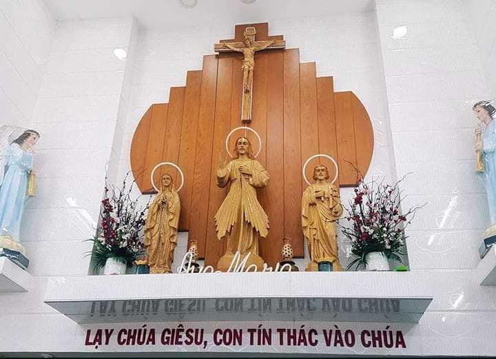 Kệ bàn thờ Công Giáo liền