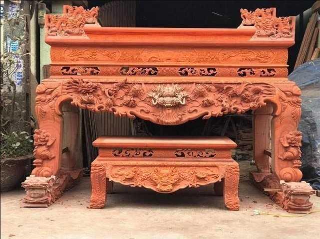 Sập thờ làm từ gỗ Hương đỏ