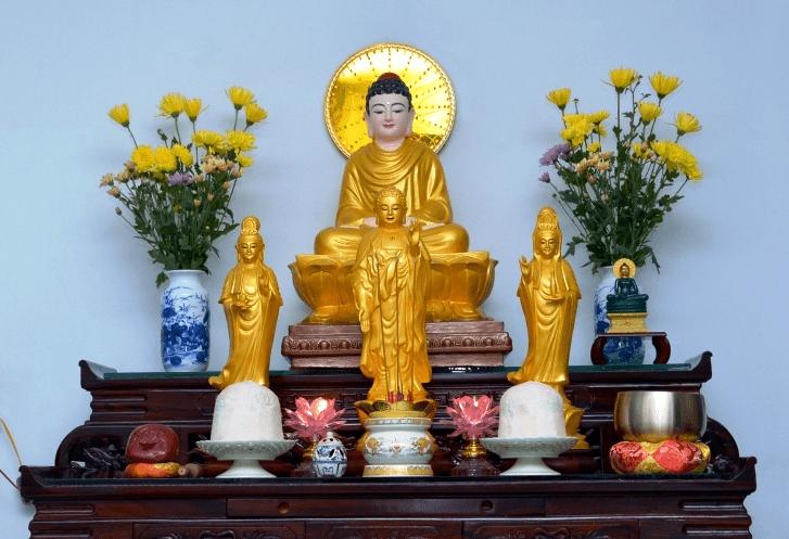 Tủ thờ đức Phật được đặt tại gia