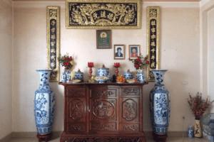 Cách sắp xếp ảnh trên bàn thờ gia tiên