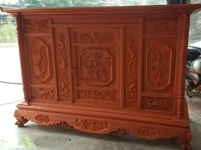 Giá tủ thờ gỗ Hương ở phân khúc cao