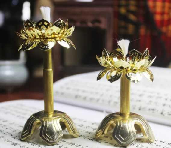 Đèn thờ hoa Sen bằng đồng