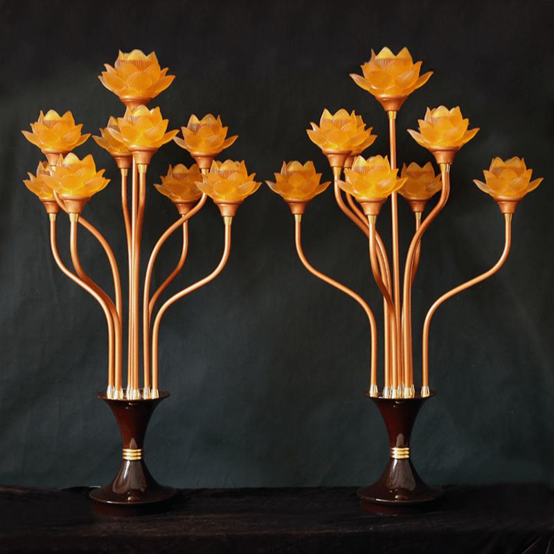 Đèn thờ hoa Sen đang rất được ưa chuộng hiện nay