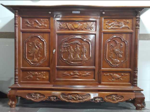 Mẫu tủ thờ làm từ gỗ Gụ Lào