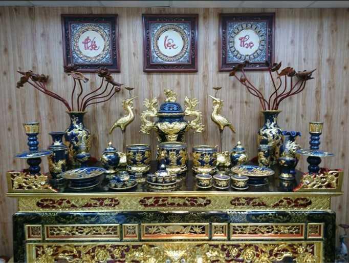 Vị trí đặt lư hương trên bàn thờ