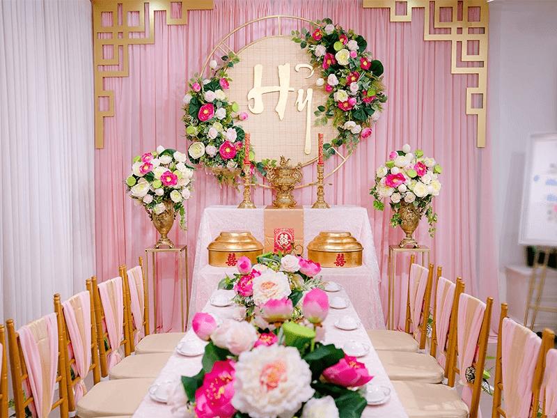 Cắm hoa bàn thờ ngày cưới là việc rất quan trọng