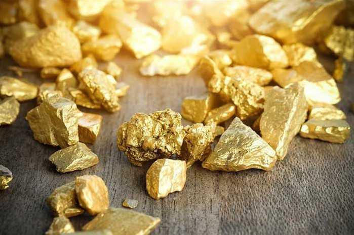 Nên cho vàng vào bát hương