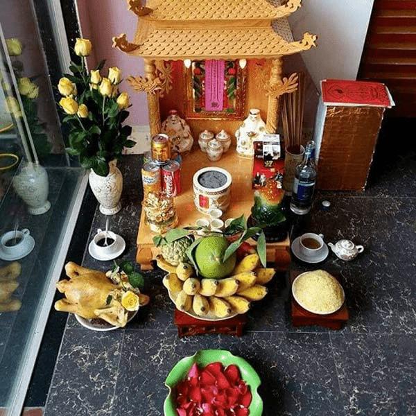 Trang trí bàn thờ Thần Tài là cách để bày tỏ lòng thành kính